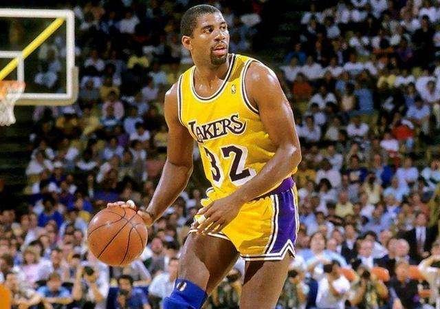 你认为目前为止,在NBA里五个位置的历史前三分别是谁?