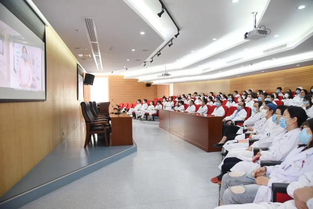 上海二康开展 「把初心落在行动上、把使命担在肩膀上」主题党日活动