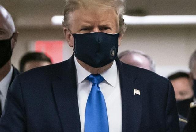 特朗普承认美国疫情好转之前可能变更糟,呼吁戴口罩自己却仍不戴