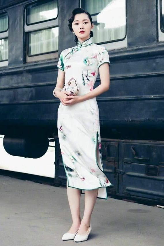 天生适合穿旗袍的女人,身上都会有这4个特征,穿上便是倾国倾城-第5张图片-IT新视野