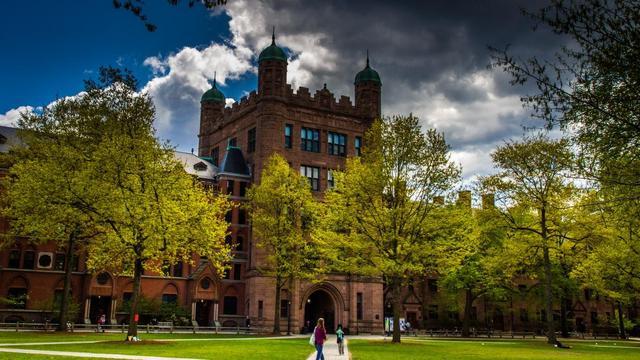 耶鲁大学因招生歧视被告上法庭,国内985硕士学业超期被警告退学