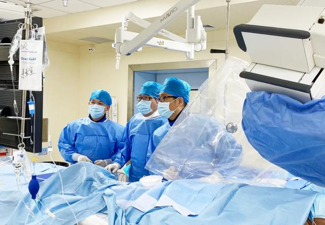 横琴新区首例 DSA 引导下心脏冠脉造影手术