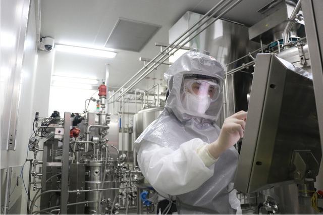 美国欲垄断疫苗,八国要求公平分配,中国生产的疫苗怎么分?