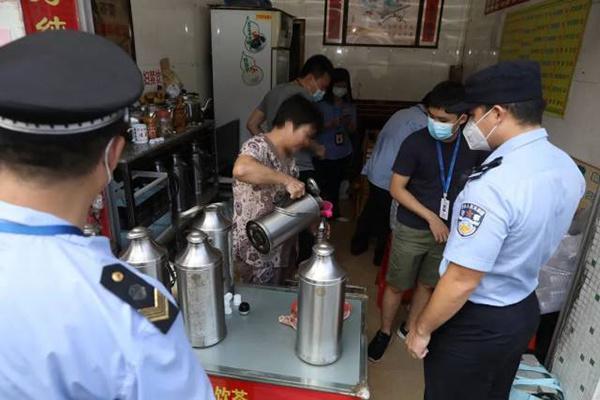 广州警方凉茶铺随机取样40份 15份不同程度含西药