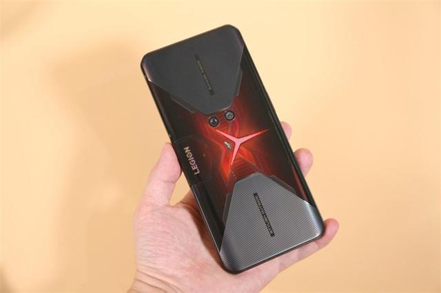 骁龙865 Plus首秀!联想拯救者电竞手机Pro评测:直逼游戏机的堆料异形