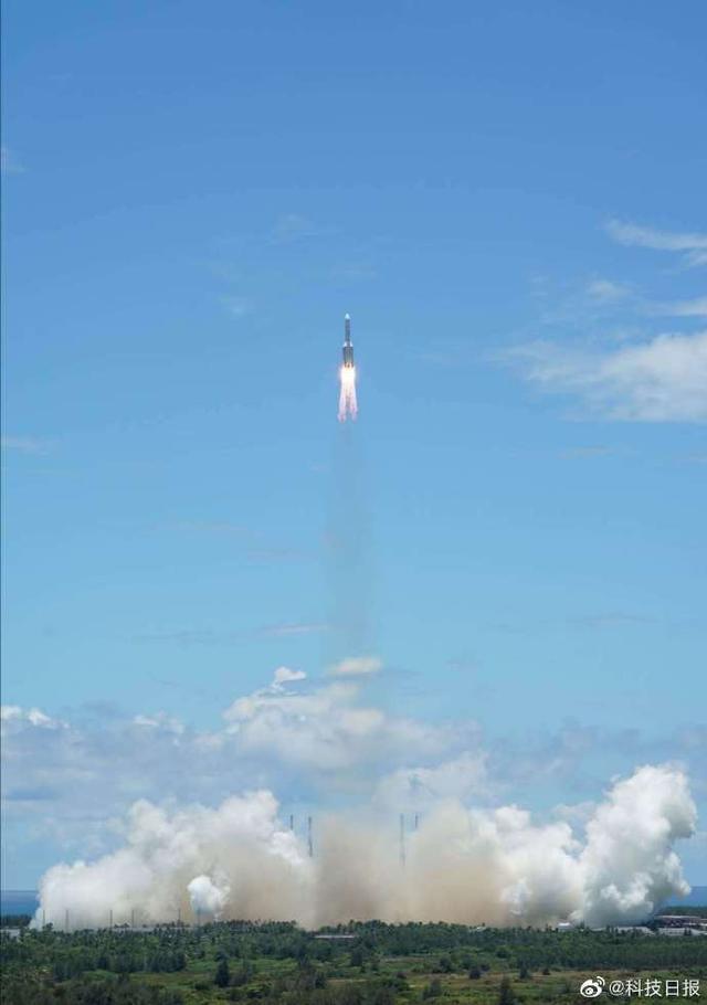 天问一号探测器进入预定轨道 中国火星探测器成功发射