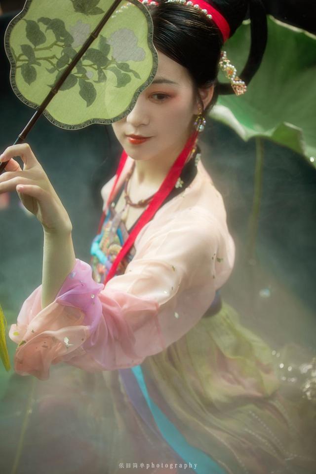 梦里荷唐-依旧简单摄影