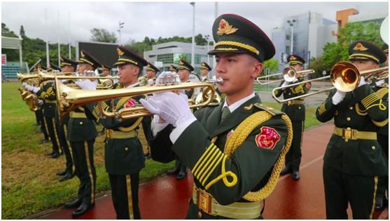 """解放军驻港部队司令员陈道祥:驻军是维护香港繁荣稳定的""""定海神针"""""""