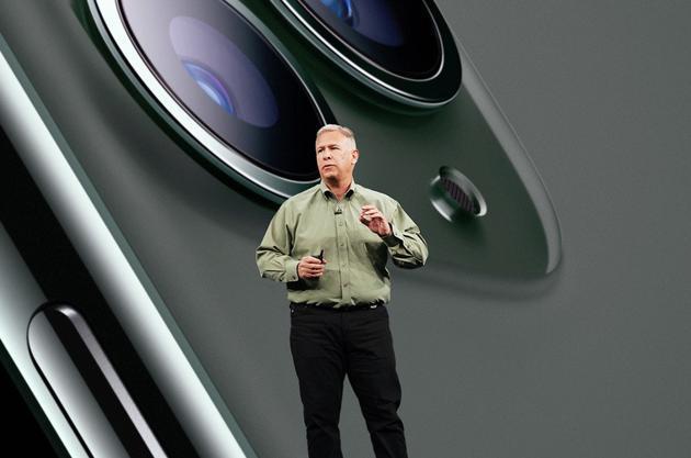 苹果CMO卸任:曾参与iPhone设计,新身份是苹果院士