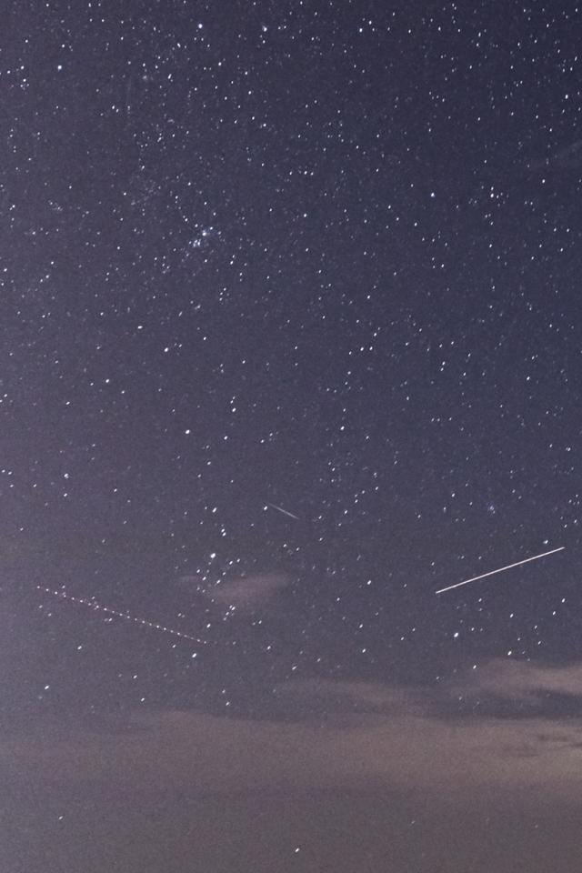 一颗、两颗、三颗......这几天晚上你追星了吗?
