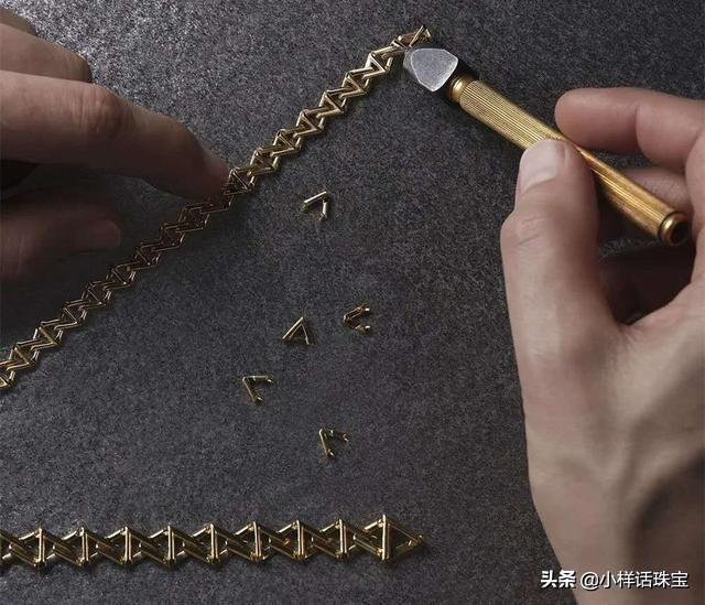 2020年LV全新高级珠宝「LV Volt」,字母几何图形演绎时尚