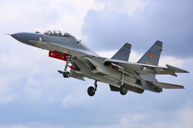 美军机悍然闯入台湾上空!解放军随后出动多架 苏-30飞往西南空域