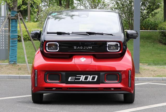 新宝骏E300,可辅助泊车,带自动驾驶,驾控不输宝马,才卖几万块