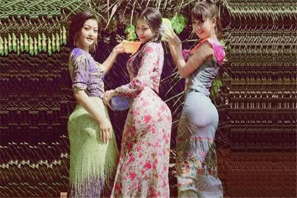 筒裙為啥是緬甸女人的最愛?當她們脫去后,瞬間就明白了