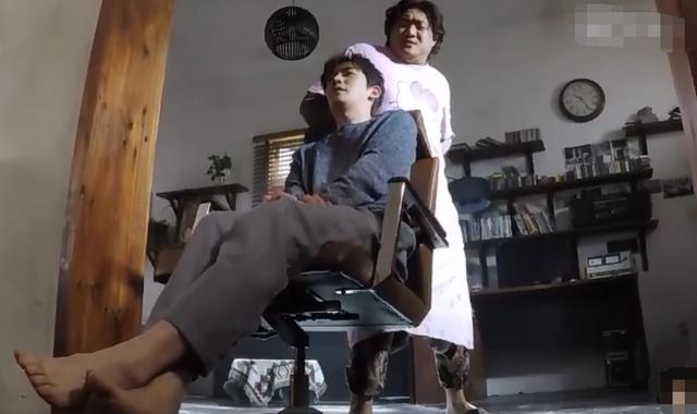 《重启》朱一龙演憋尿,青筋暴起过于逼真,连脚趾都有演技