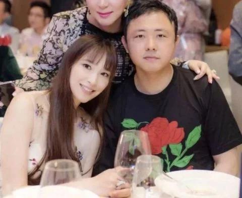曝吴佩慈未婚夫欠租近500万元 被告上法庭