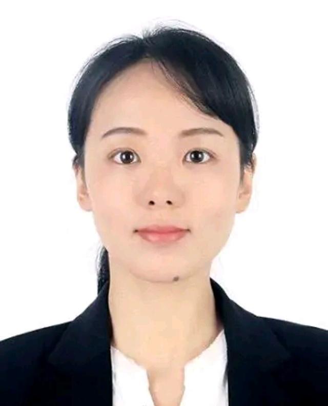 湖南大学26岁女博导以高颜值走红,网友:26岁时我还没毕业