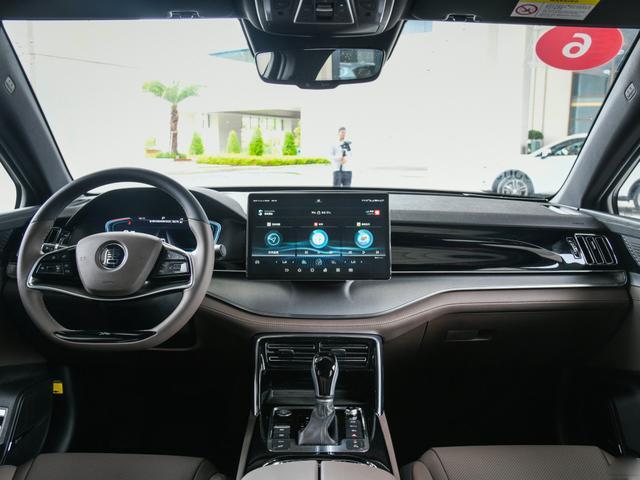 堪称加速最快的国产车,4.3S破百,预售17万内,妥妥的爆款