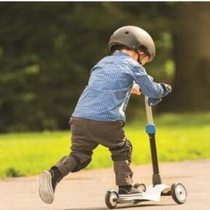 """为啥一定要给孩子买""""滑板车""""?原来它的好处这么多"""