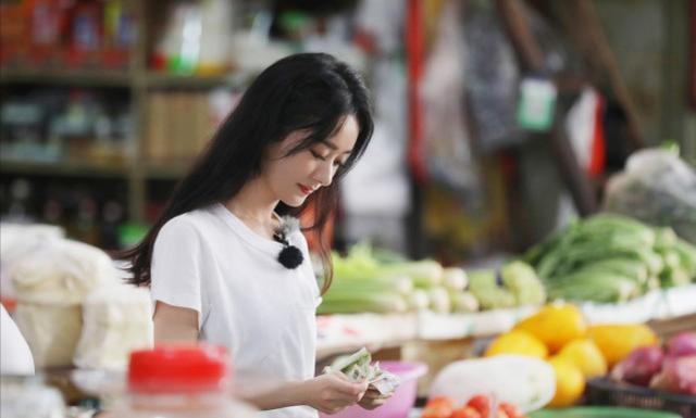 赵丽颖再上综艺毒舌依旧,黄晓明成为主要目标,被安排的明明白白