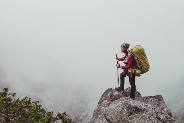 上坡好喘?下坡膝盖痛?登山步行5种技巧