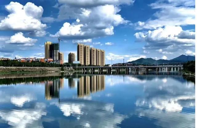 """毕业哪里去?西峡or一线城市?小编实力告诉你""""我在西峡挺好的"""""""