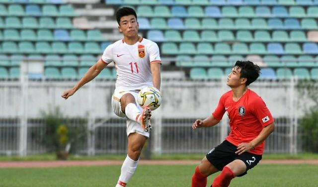 从球员总体技术而言,中国男足和女足哪个更优秀?