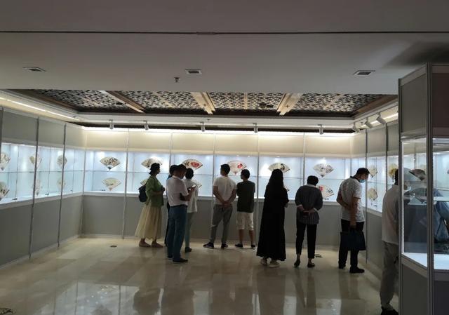 北京荣宝2020春拍精品展、扬仁雅集·名家成扇作品展在荣宝斋开展