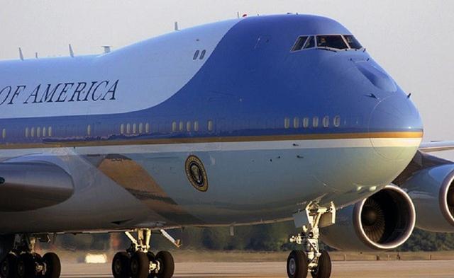 美国的两架飞机,不具备任何作战能力,但谁也无法也不敢击落