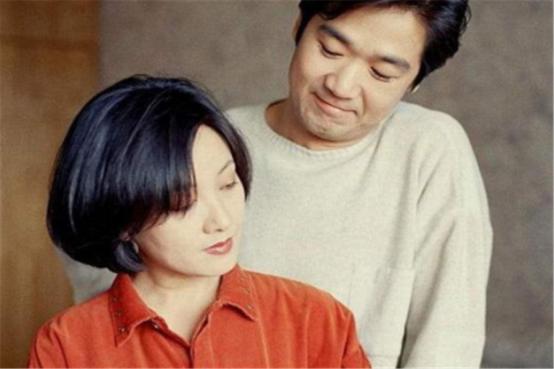 双双离婚后重组再婚,却成为了圈里的模范夫妻,口碑为何这么好?