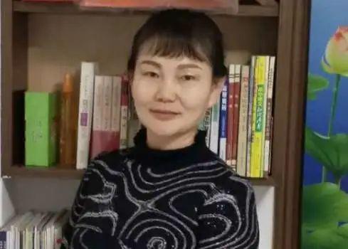 芳菲《上天遗落人间的白杜丹   ——张忑侠诗集〈红尘遗梦》读后