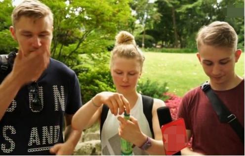 英国人无法理解:这么好闻的香水,中国人没事就拿来喷着玩吗?