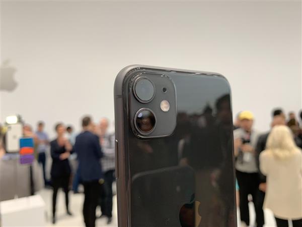 2020年全球十大畅销手机排行榜丨苹果新机这价格,还是太香了呀