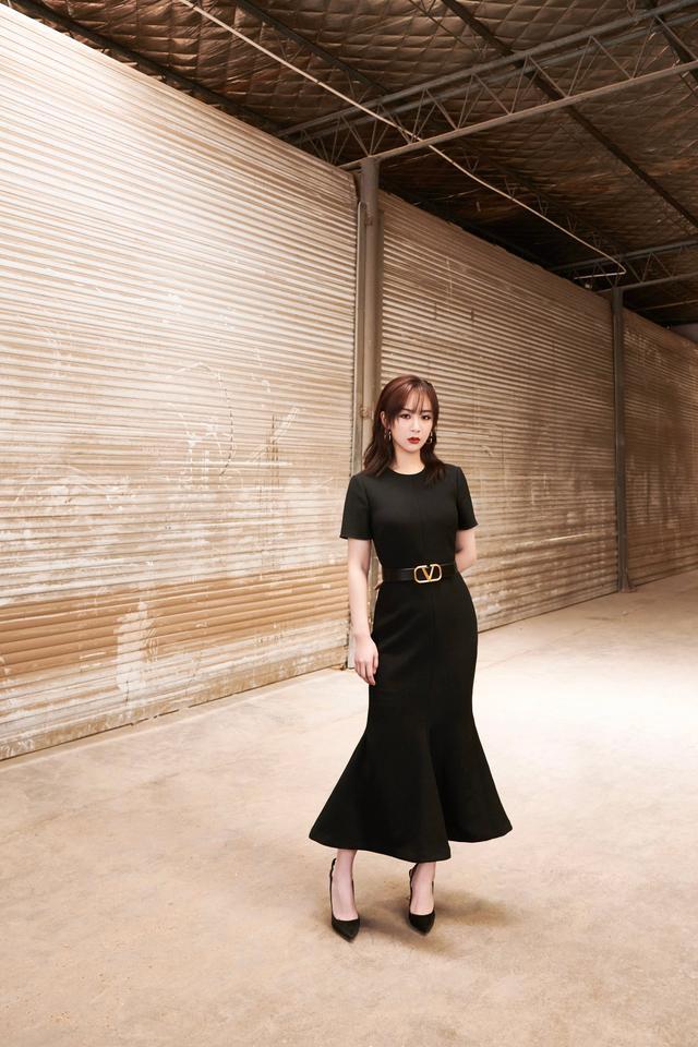 杨幂,迪丽热巴,杨超越等女明星同穿黑色礼服,到底谁更惊艳呢?