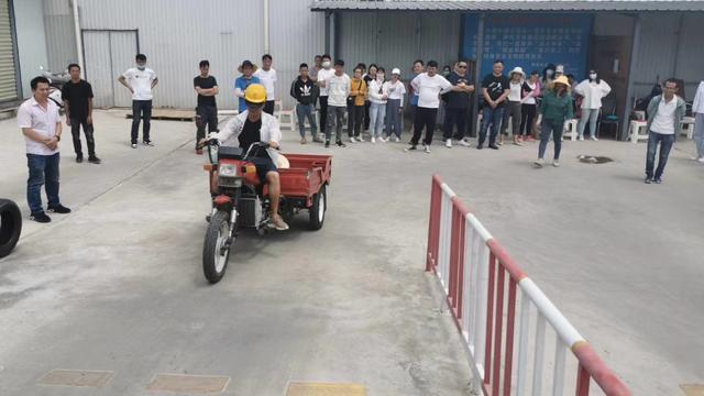 摩托证多少钱(摩托车驾驶证包过800元)