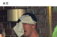 国外明星躲避狗仔的方式千奇百怪,连防毒面具都戴上了!