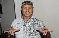 """突发新闻:WWE名人堂成员""""飞人""""斯努卡因病去世"""
