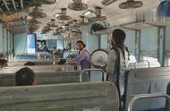 在印度坐火车真是件好玩的事 只有你想不到没有你遇不到的精彩