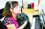 导盲犬珍妮年老退休,重新开始迎接新生活,再也不用受人冷眼!