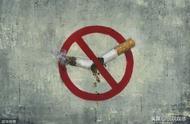 """大量吸烟的人更显老!吸烟带来的6大""""恶魔"""",踢都踢不走"""