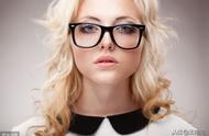 职场上戴眼镜很冷漠吗?工作时间禁止戴眼镜,你怎么看?