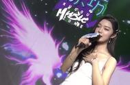 火箭少女李紫婷现场演唱,一开口惊艳全场,明明可以靠颜值
