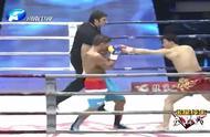 中国小将被打的失控,慌乱之中用出犯规动作,一回合被三次重击KO