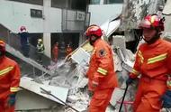 突发!13日上午南京一公寓楼局部突然坍塌,消防员到场紧急救援
