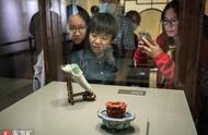 """看看台北故宫""""镇馆之宝""""长啥样 翠玉白菜、肉形石?"""