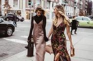 夏天的吊带裙别着急收起来,搭配秋季长袖,继续扮演优雅小仙女