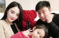 贾乃亮正式宣布与李小璐离婚,姐姐发文:真心祝愿,各自安好