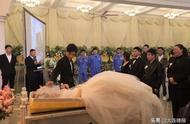 看哭了!今晨,大连殡仪馆里举行一场特殊的婚礼……