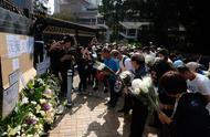 香港市民悼念被暴徒击亡老者 警方已将案件改列谋杀案处理