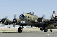 二战级 美美国B-17轰炸机离奇坠毁 7死9伤